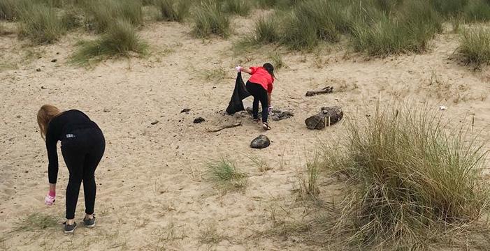 Litter picking blue lagoon beach 1